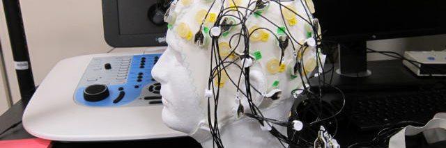 manekin head with ECG electrode cap